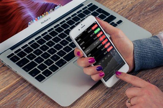 Aplikacja Suretly. Sposób na zarabianie na poręczeniach mikropożyczek_Pixabay