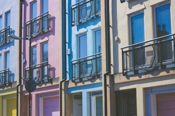 Co jest bardziej opłacalne – kupno mieszkania na kredyt czy wynajem | Moneyman.pl