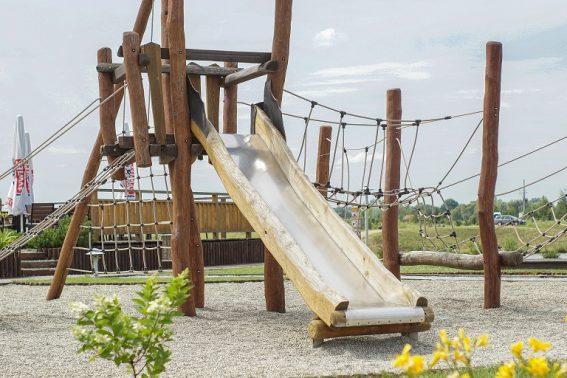 Zjeżdżalnia ogrodowa dla dzieci